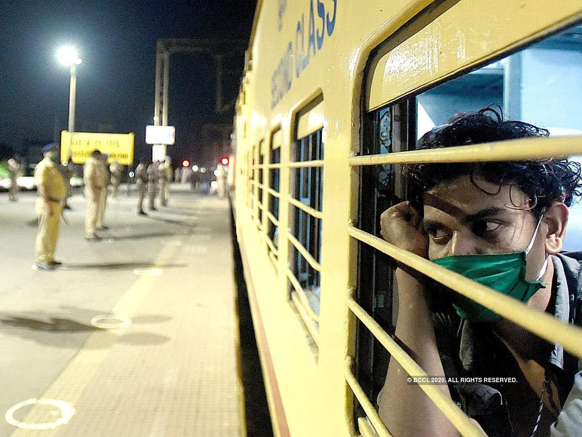 ट्रेनों से जारी है मजदूरों की घर वापसी